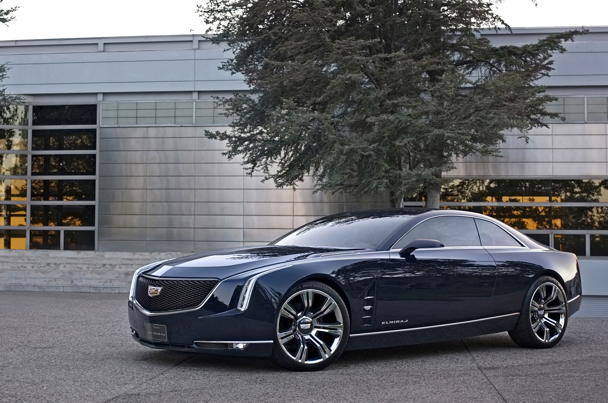 2013 Cadillac Elmiraj Concept Front Left Side View1
